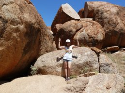 holisticden, devils marbles, australia